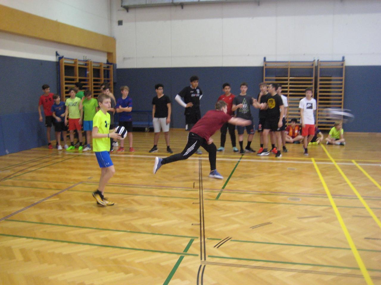 dodgeball00009