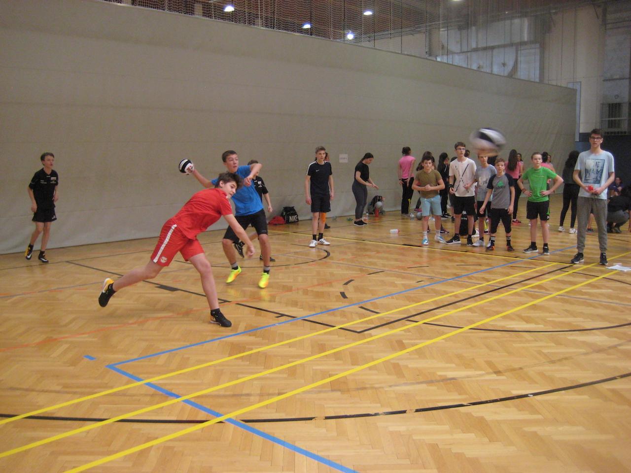 dodgeball00015