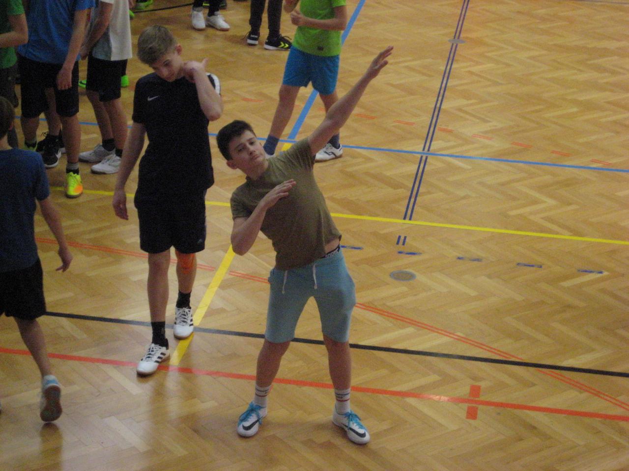 dodgeball00022