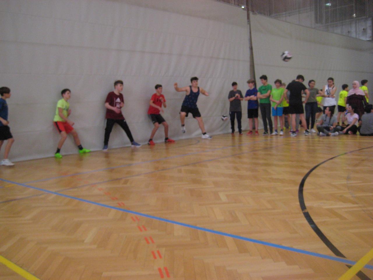 dodgeball00027