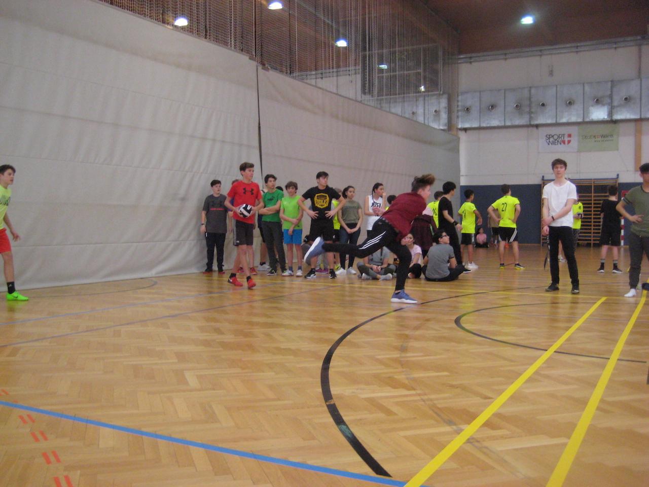 dodgeball00028