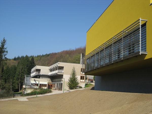 20120404_wienerwaldgymnasium_hauptgebaeude_09.jpg