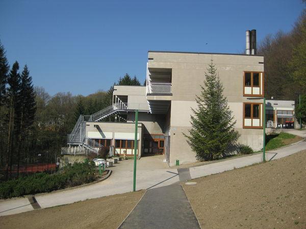 20120404_wienerwaldgymnasium_hauptgebaeude_25.jpg