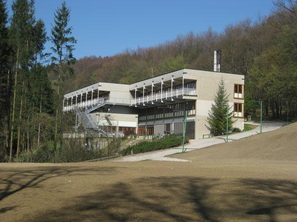 20120404_wienerwaldgymnasium_hauptgebaeude_36.jpg