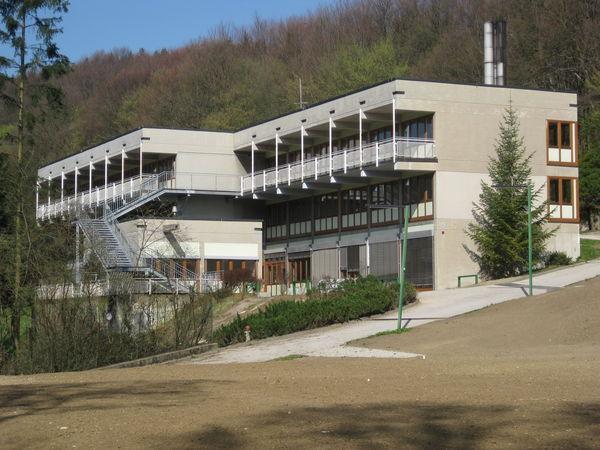 20120404_wienerwaldgymnasium_hauptgebaeude_39.jpg